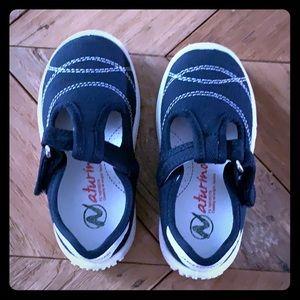 Navy Naturino sandals, size 6